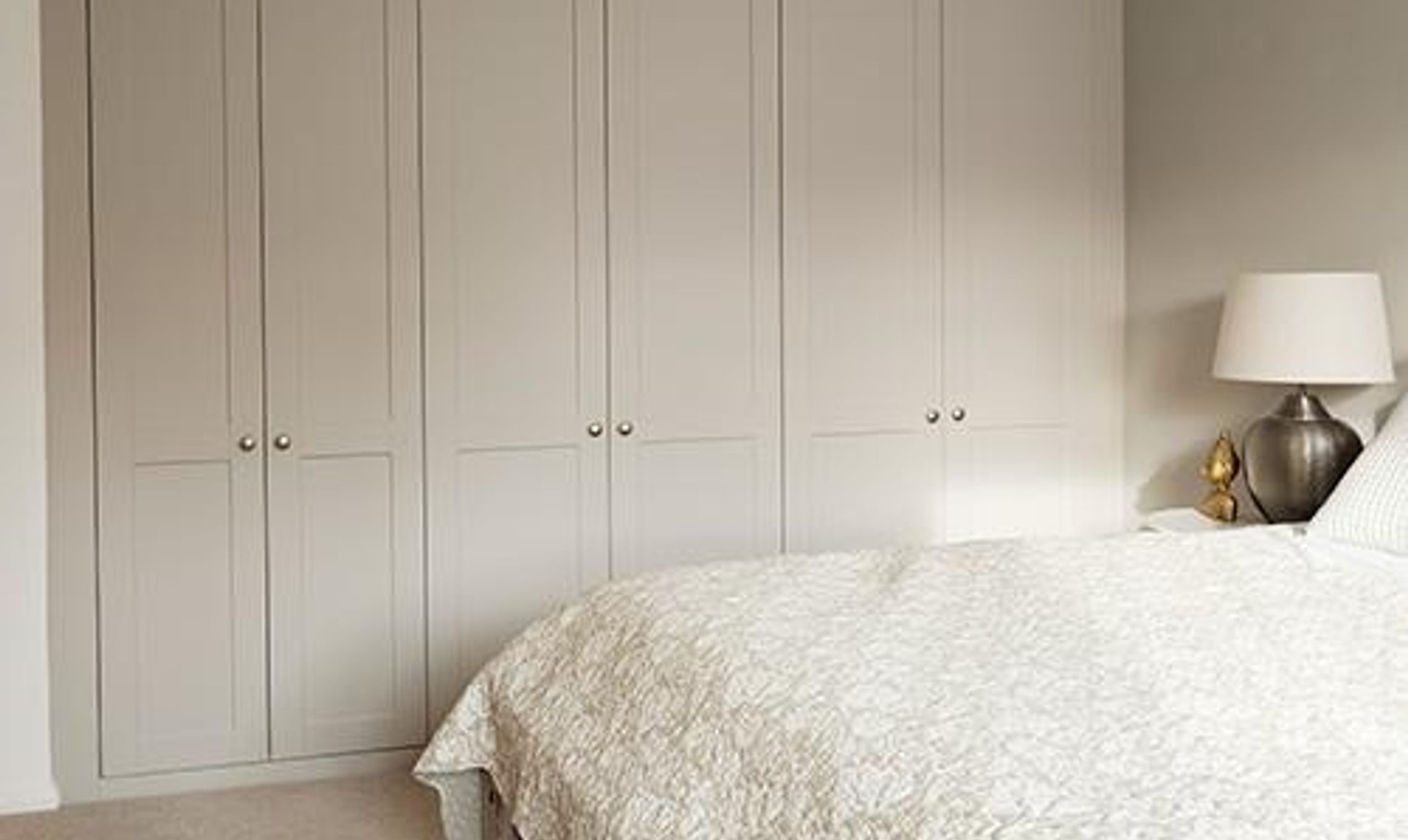 from handbags to an en suite this wardrobe fits everything in 65535
