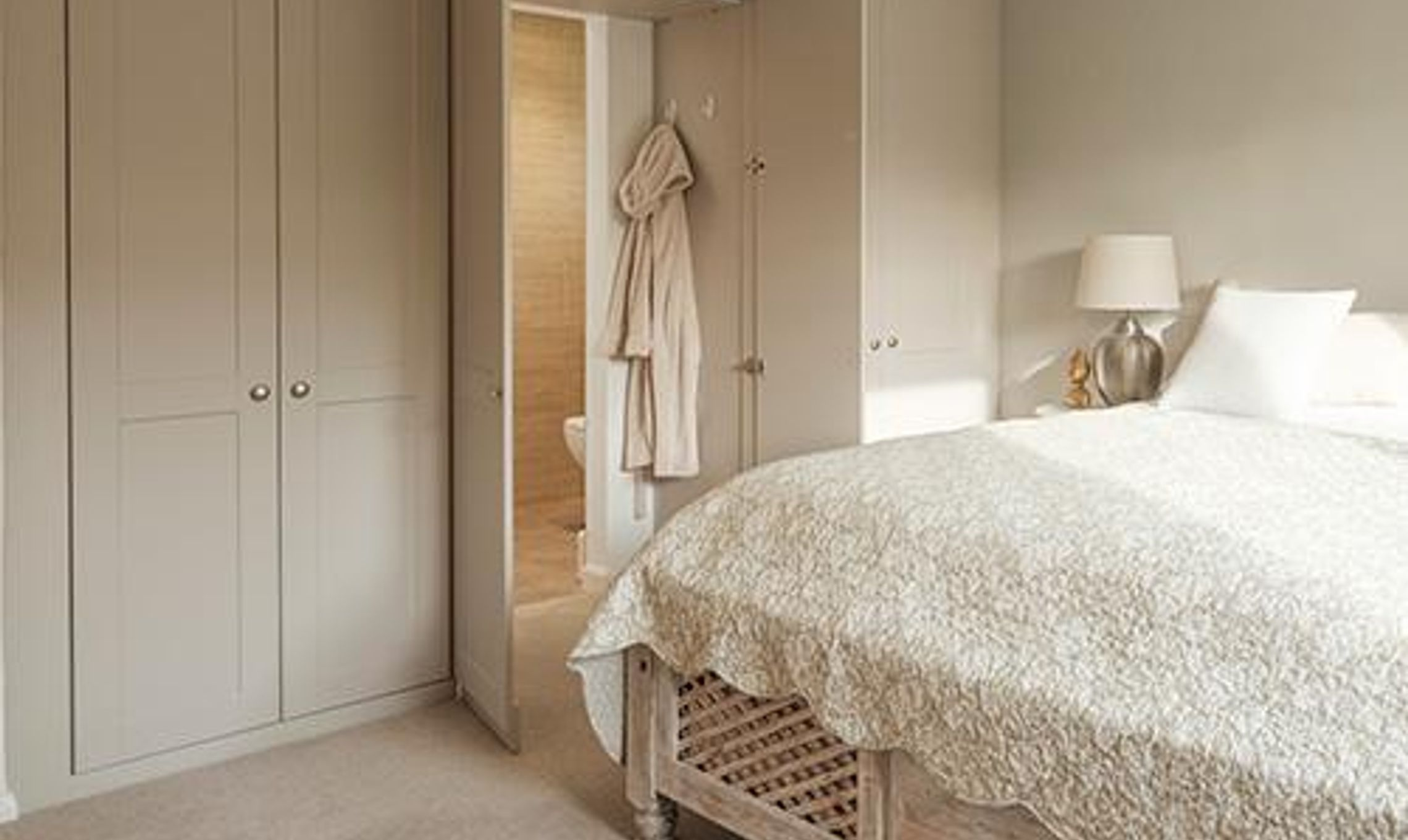 from handbags to an en suite this wardrobe fits everything in 62439
